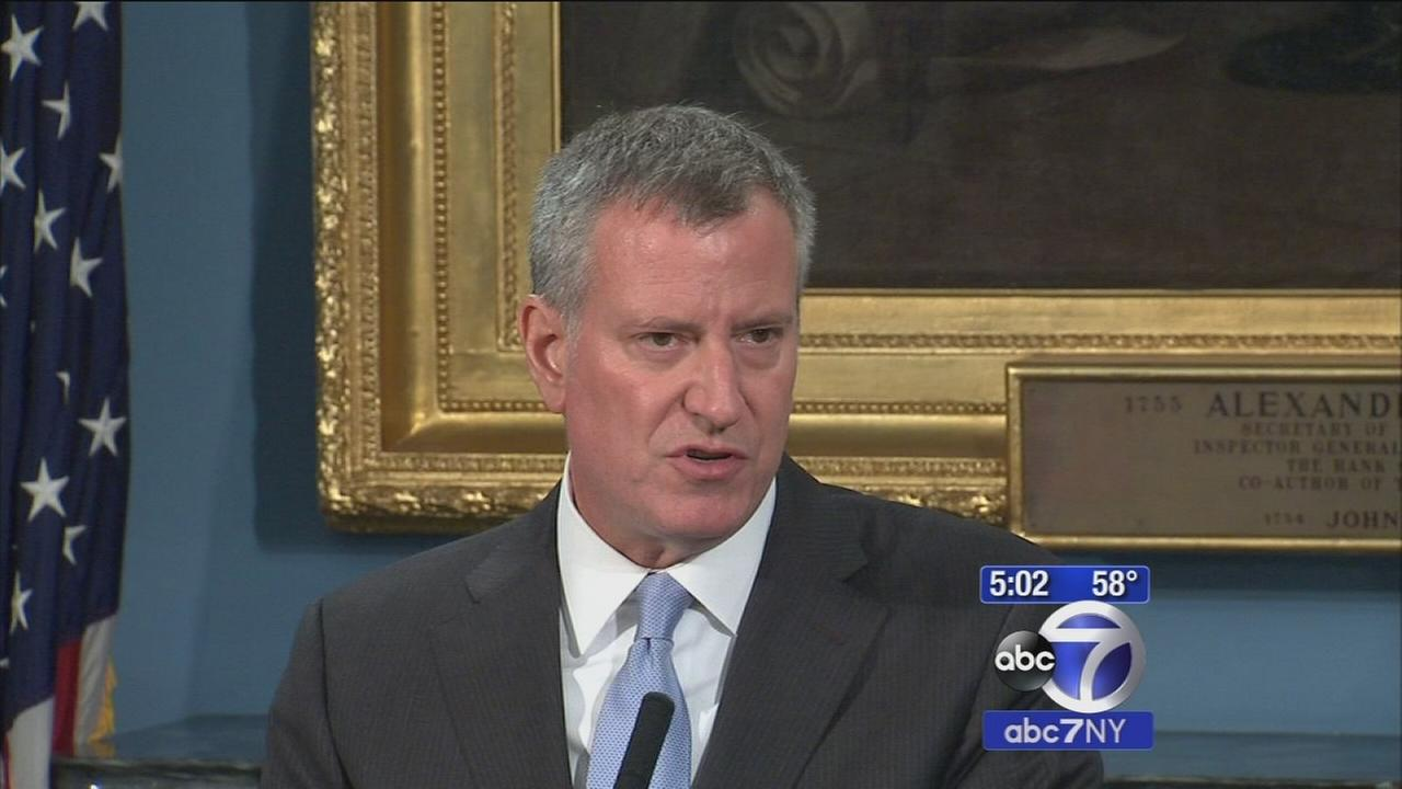NYC mayor pushes bail reforms after police officer slaying