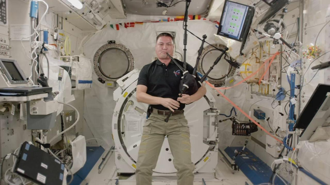 111315-cc-astronaut-bagpipes-vid