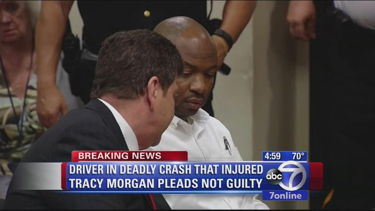 Truck driver charged in Tracy Morgan crash pleads not guilty