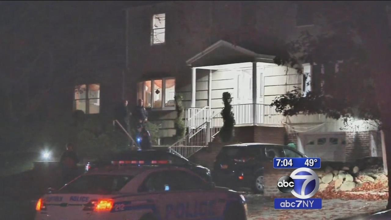 Man shot after answering door in Dix Hills