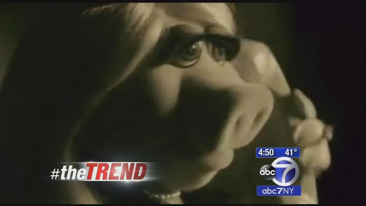 The Trend: Miss Piggy channels Adele during AMA promo