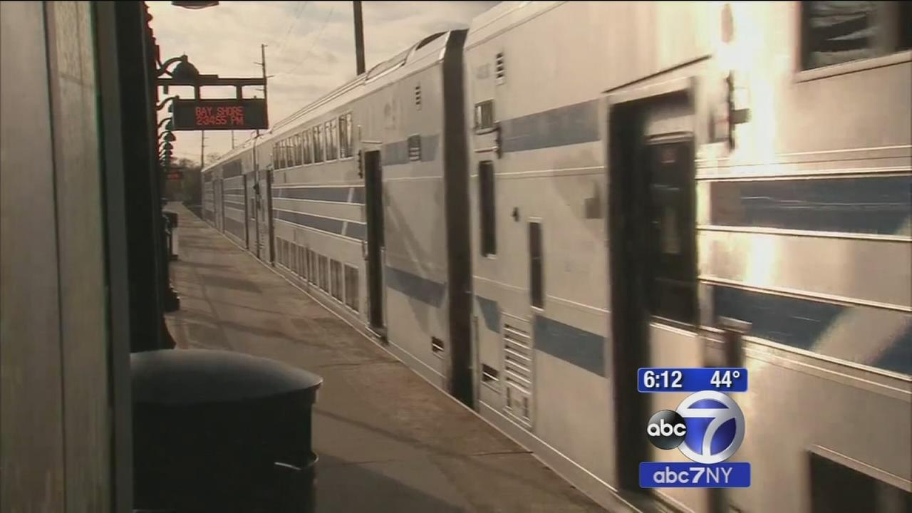 Bay Shore LIRR passengers to soon pay for parking