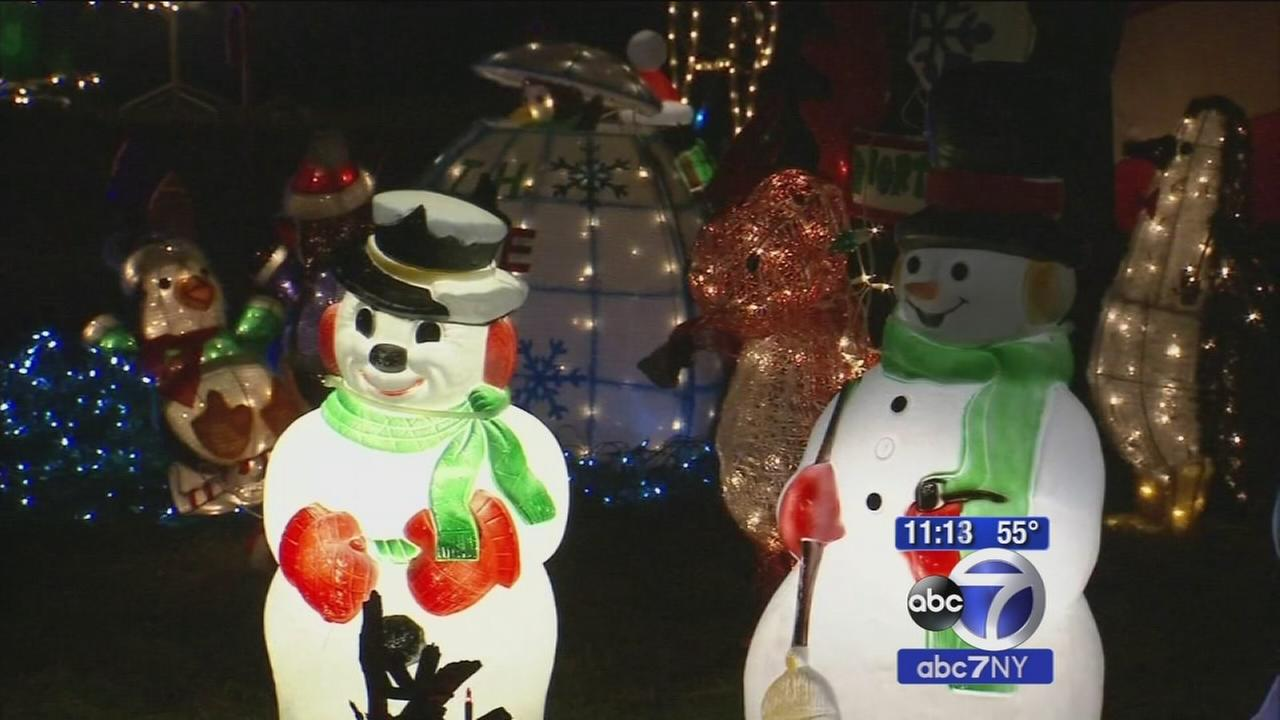 New Jersey familys elaborate Christmas light display destroyed by vandals