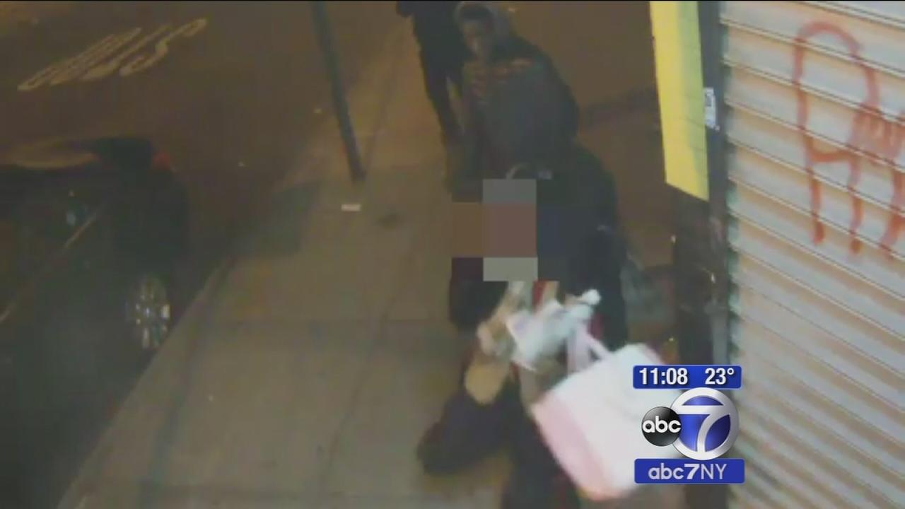 Police search for 3 suspects in violent mugging of senior citizen