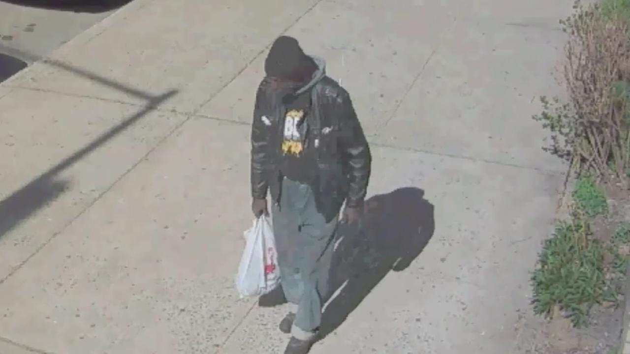 Suspect wanted in robbery of elderly woman in Bronx