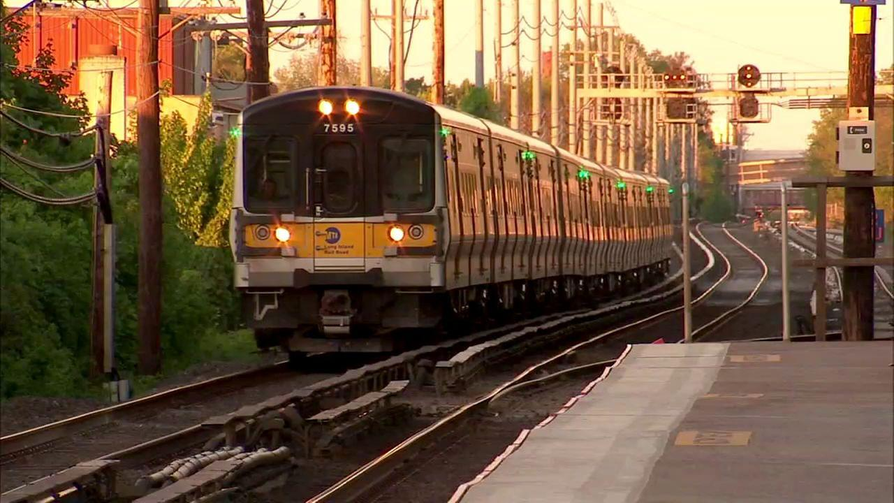 Report: LIRR, NJ Transit and Metro North slow to adopt new technology