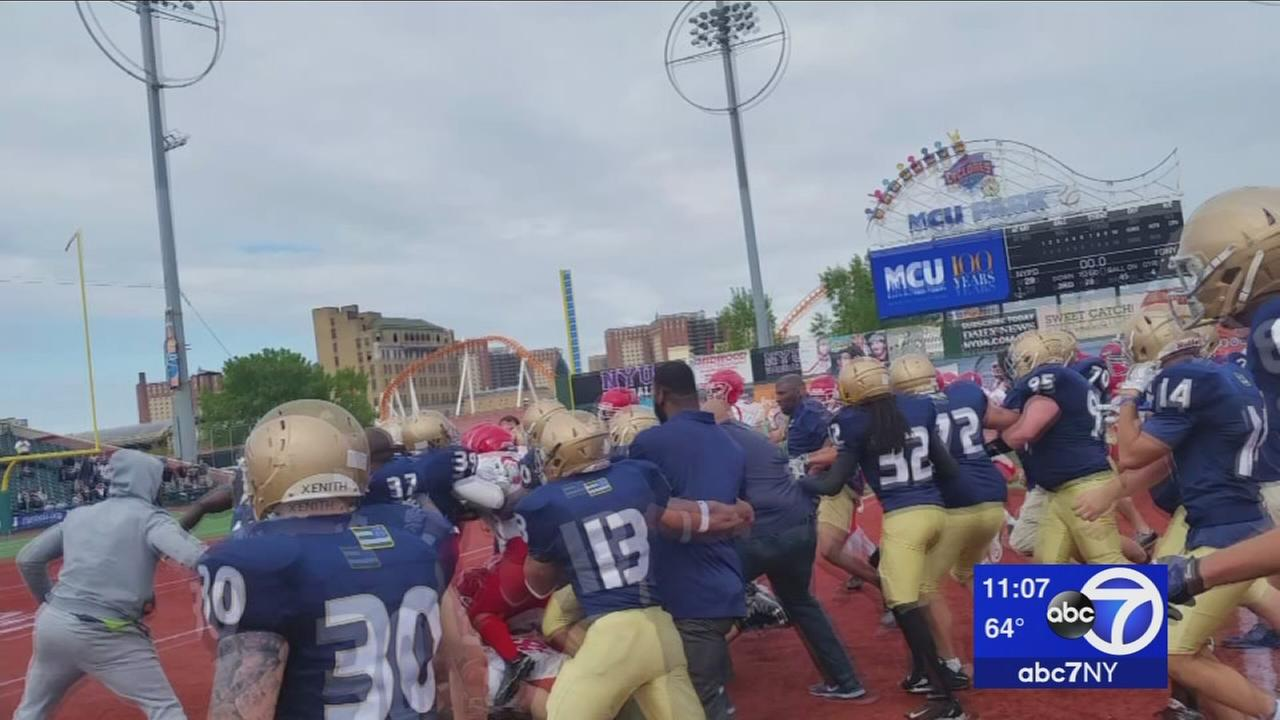 Fight breaks out during FDNY/NYPD Football charity game