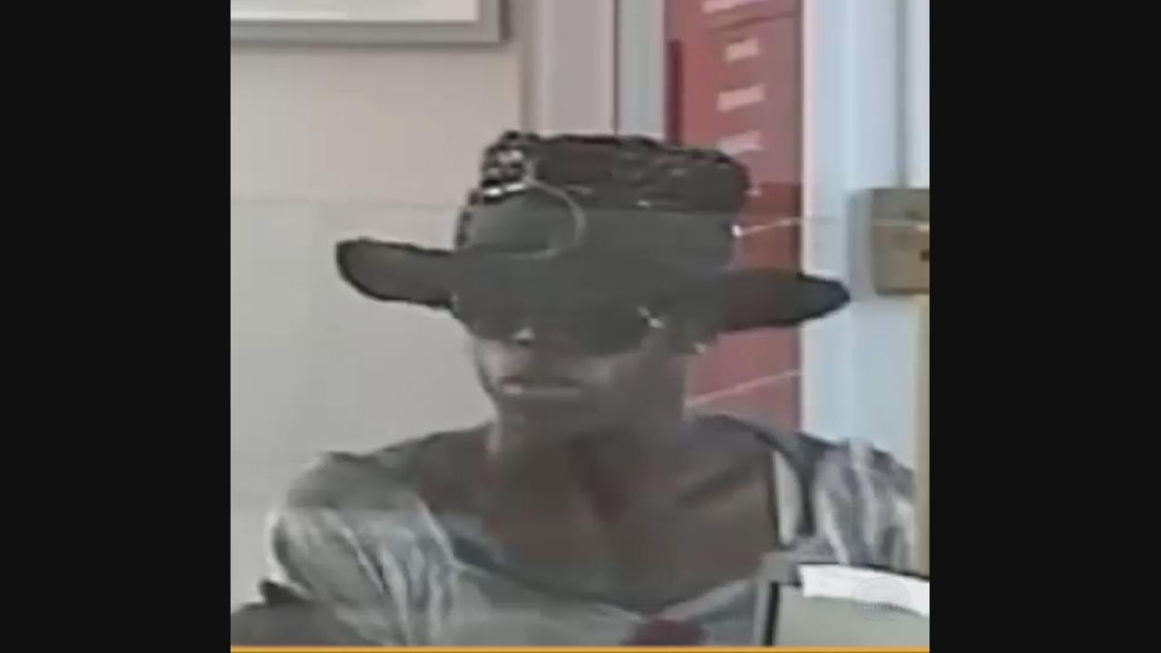 Police: Robber dressed in drag while robbing bank on Staten Island