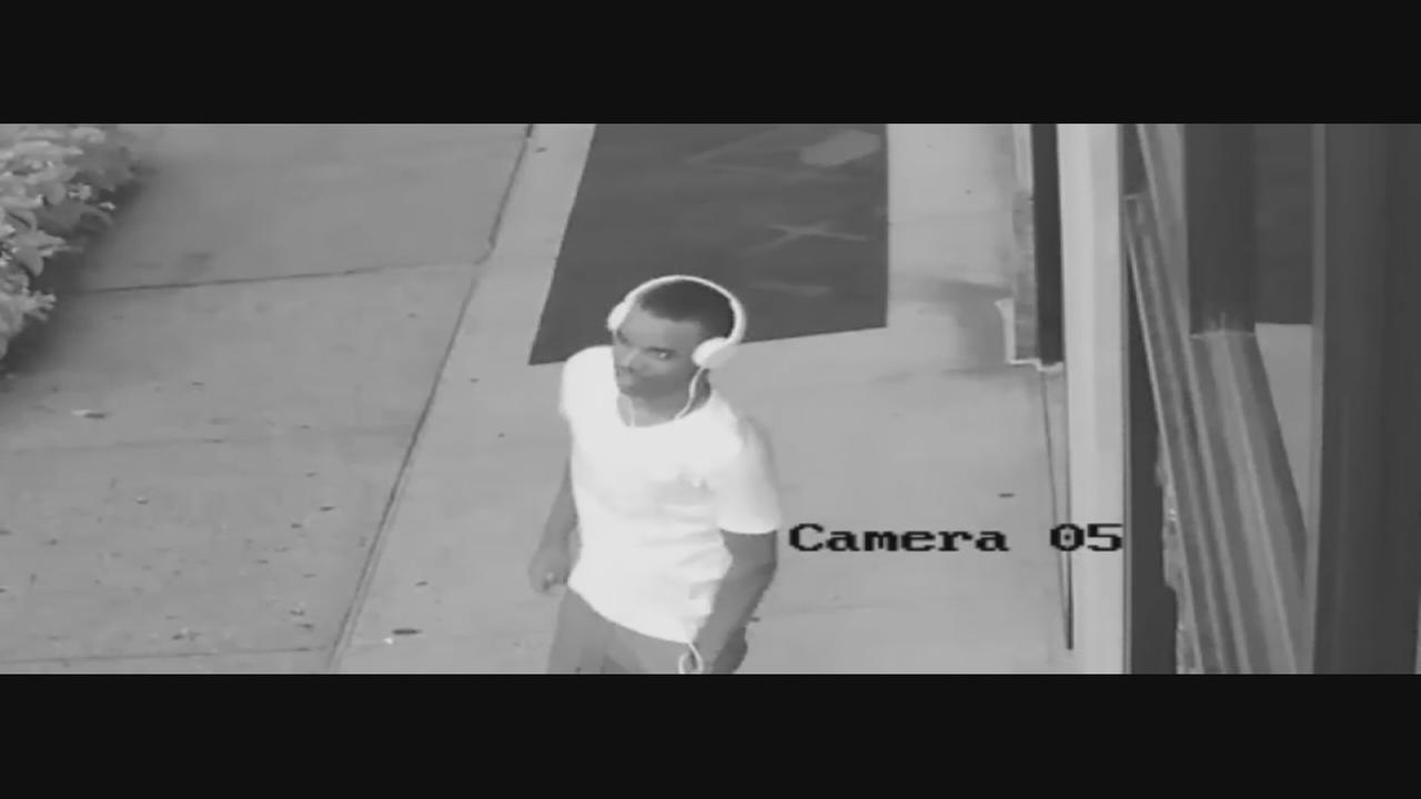 Suspects wanted in Upper East Side robbery caught on camera
