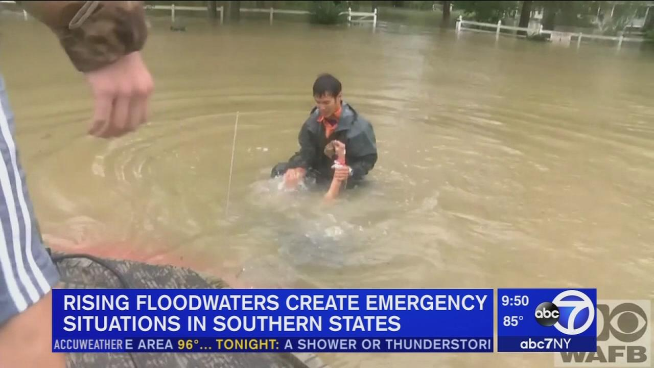 Dramatic rescue amid Louisiana flooding