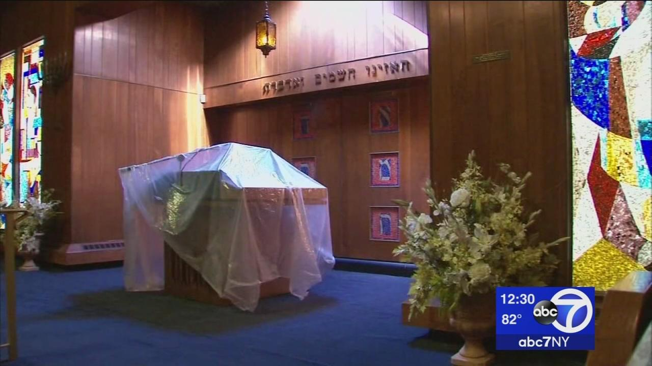 Religious treasures stolen from synagogue