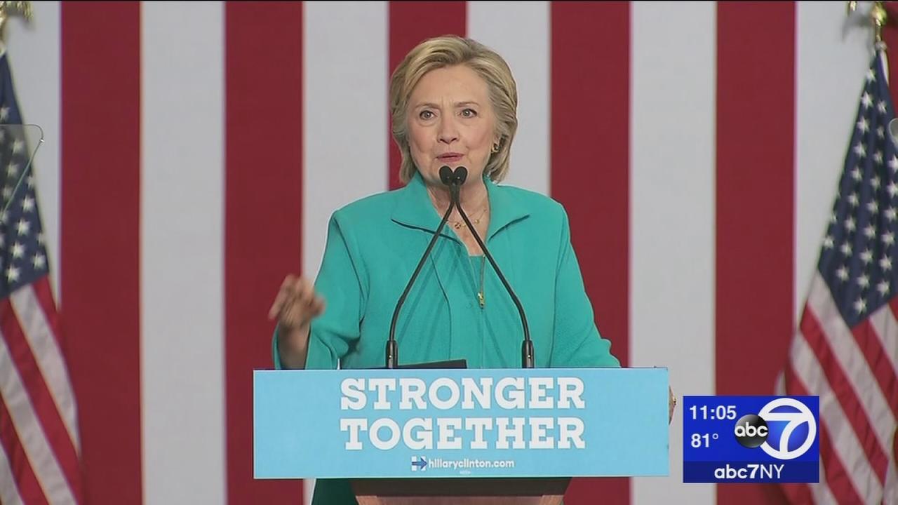 Trump, Clinton trade new round of attacks