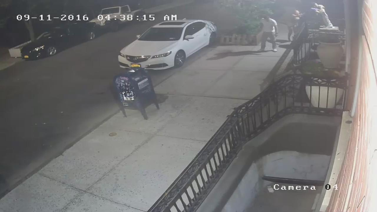 Man wanted for vandalizing statue of Jesus in Brooklyn