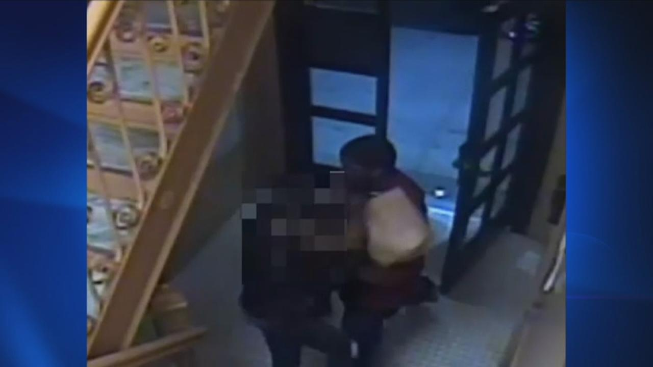 Woman robbed of purse in the Bronx