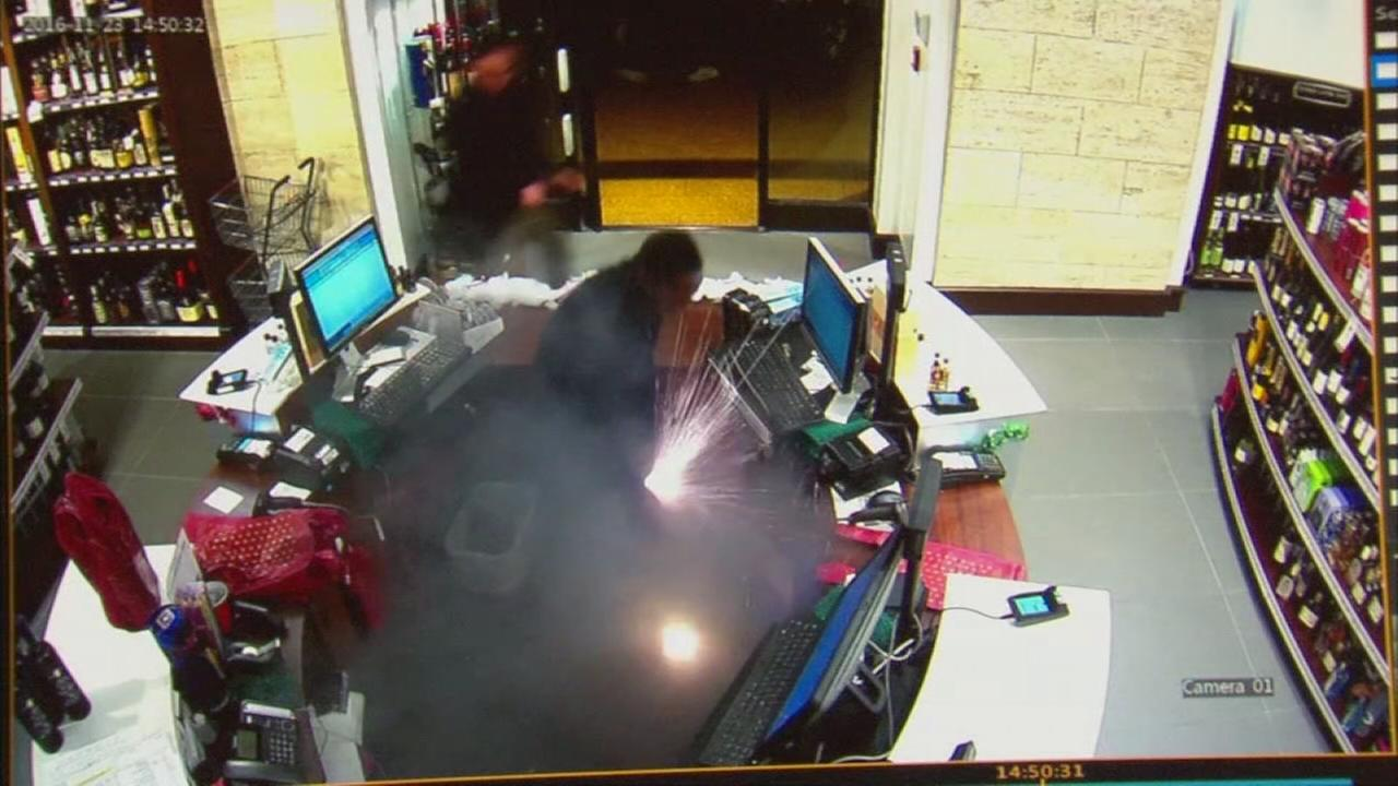 Video shows e-cigarette explode in mans pocket