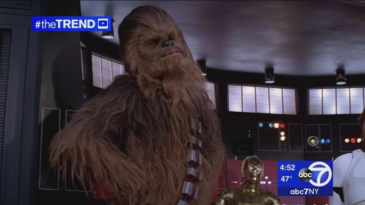 The Trend: Star Wars Chewbacca sings Silent Night