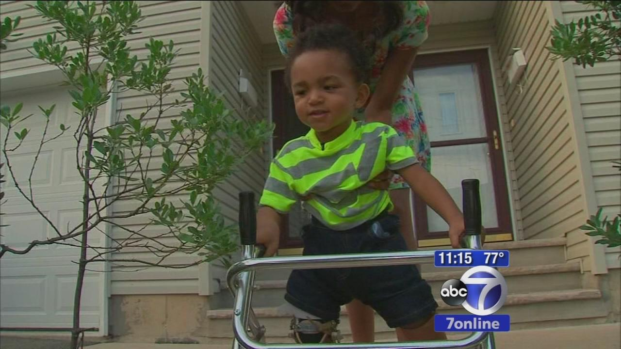 Toddler inspires hundreds of thousands with first steps