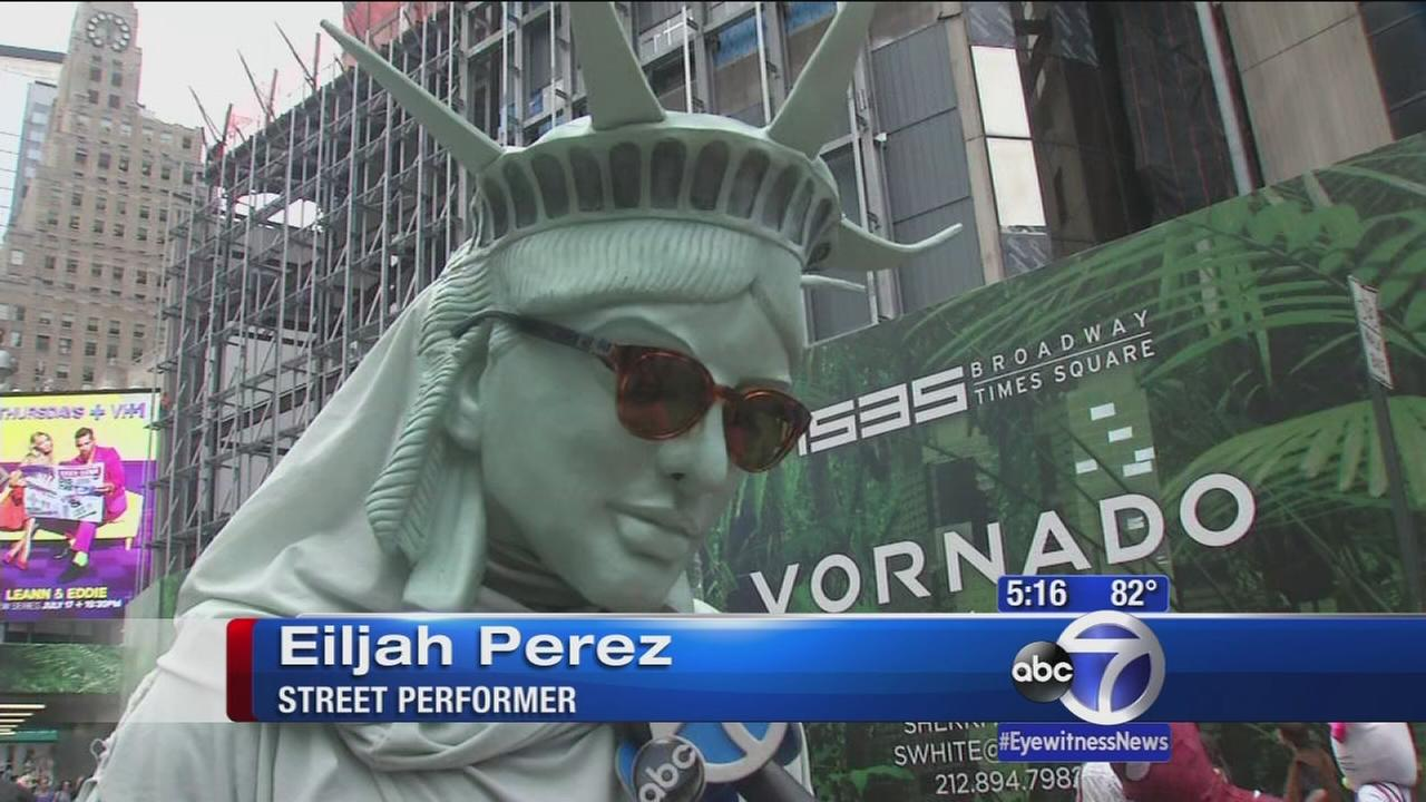 Times Square street performers facing regulation