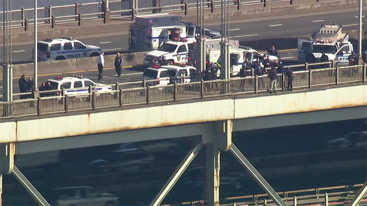 Raw video of George Washington Bridge rescue