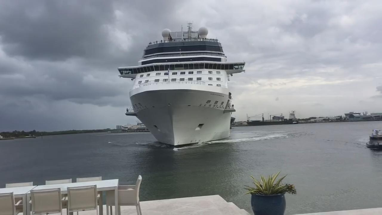 Cruise ship comes frighteningly close to coastal Florida home