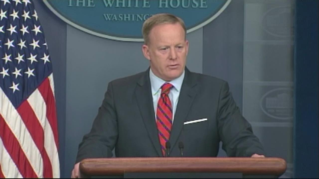 Spicer: Hitler didnt use chemical weapons