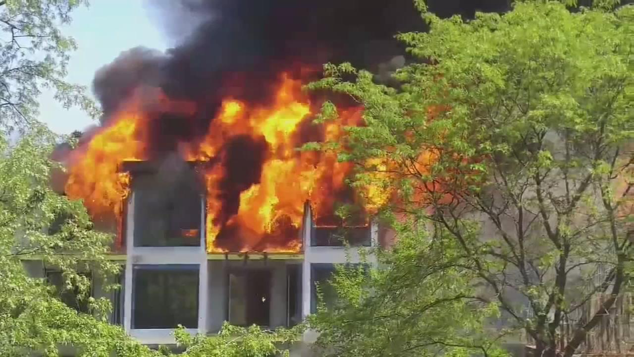 3-story building in Yonkers catches fire