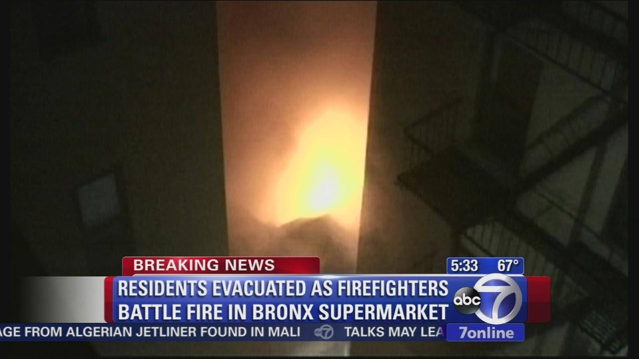 5-alarm fire takes over Bronx supermarket