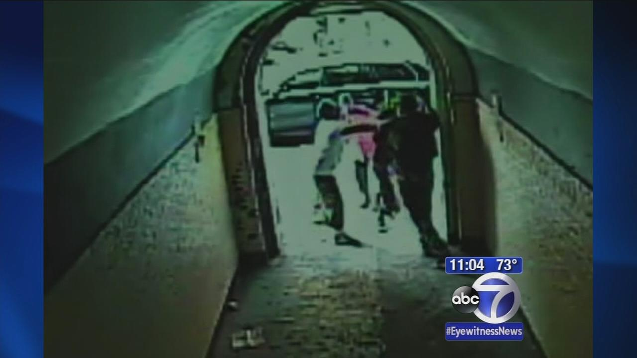 Neighbors help stop man accused of tying up woman in Bronx home