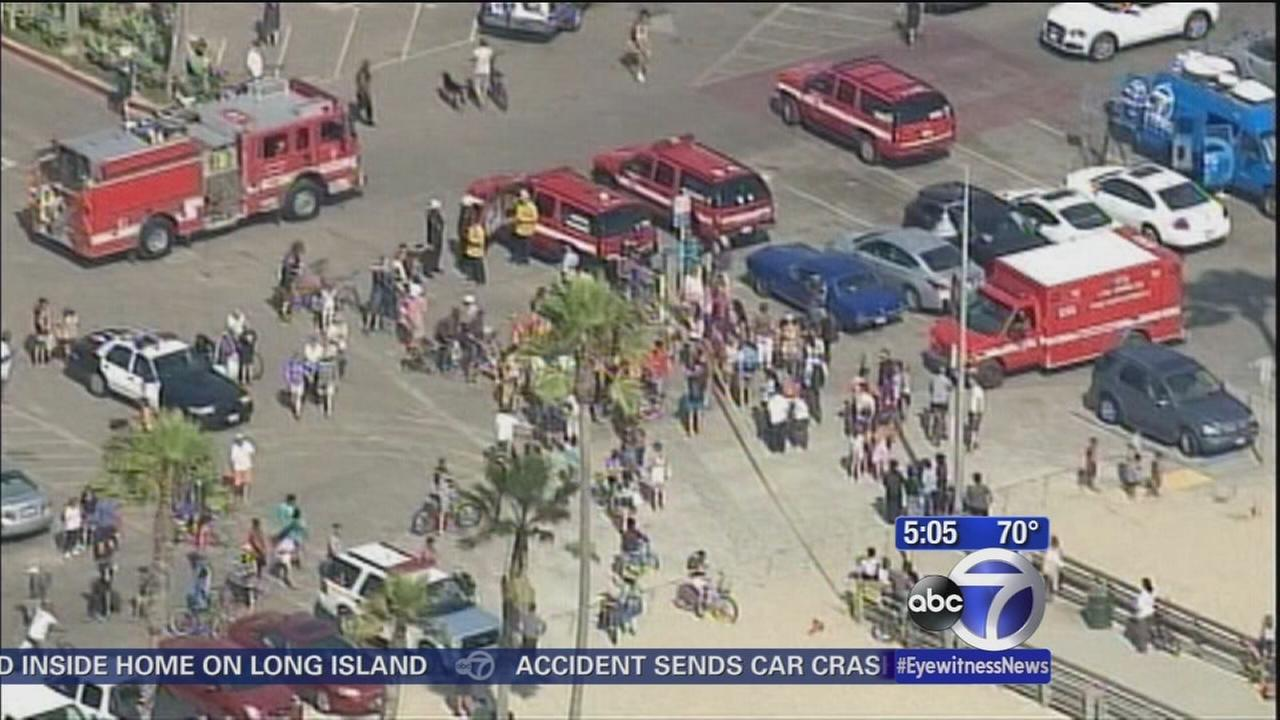 Lightning strike hits Venice Beach