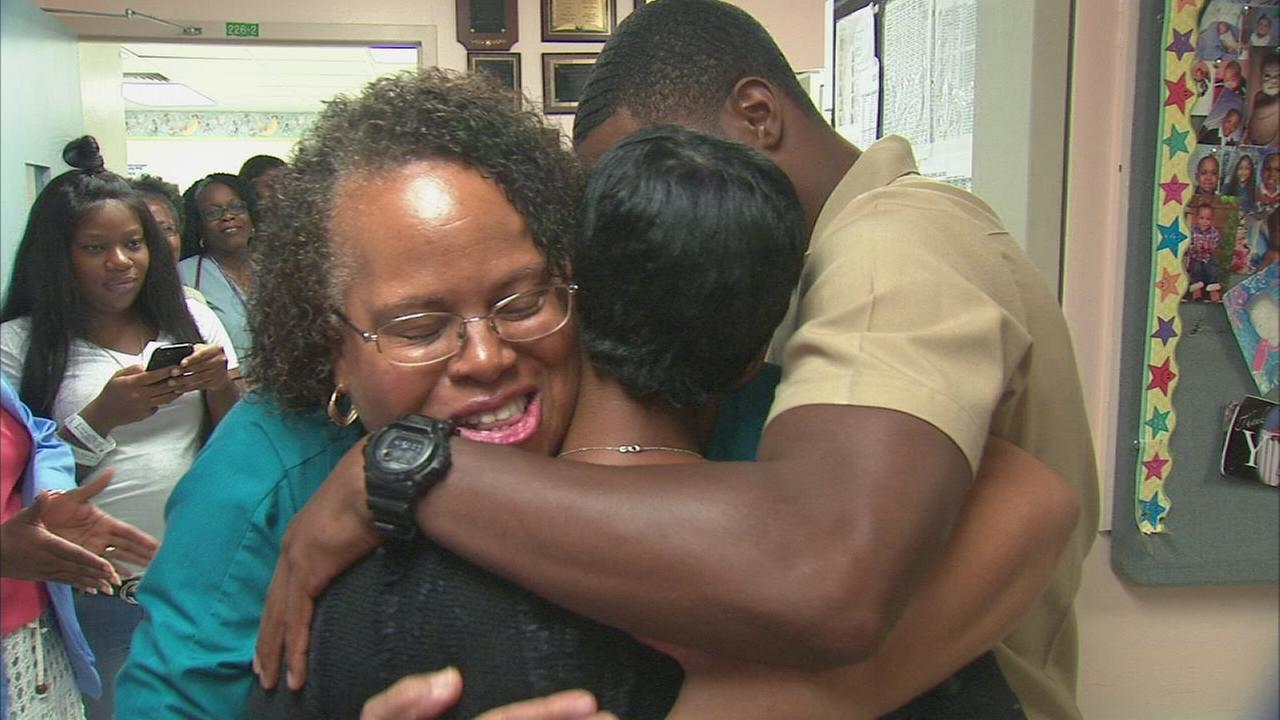 Man surprises NICU nurses who cared for him