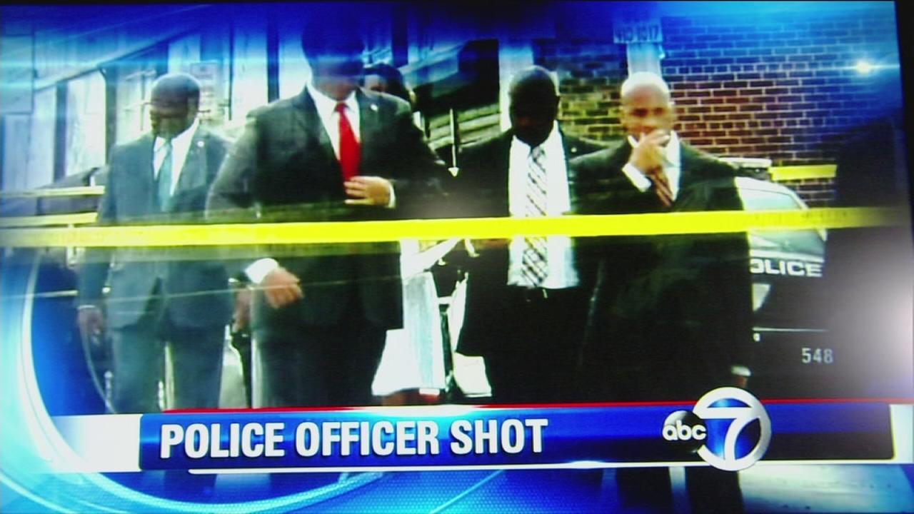 Newark police officer shot in leg