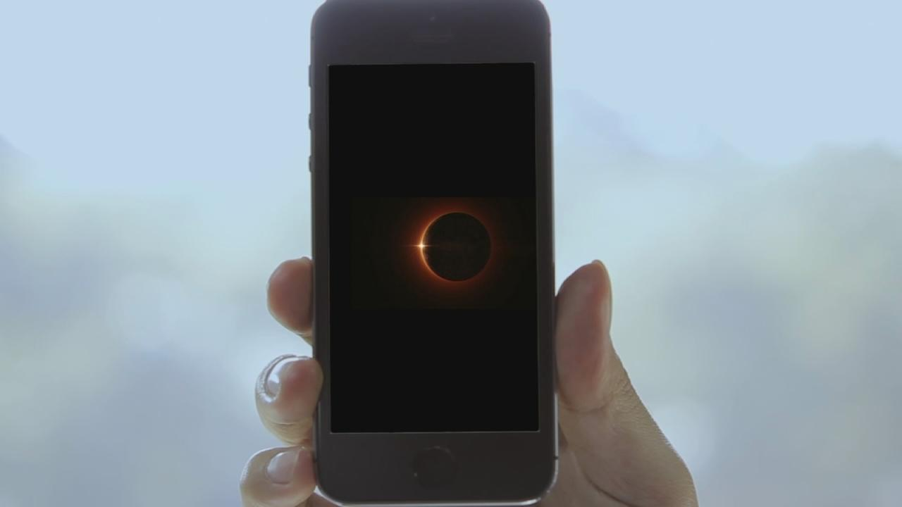How to take a picture of the eclipse with your smartphone