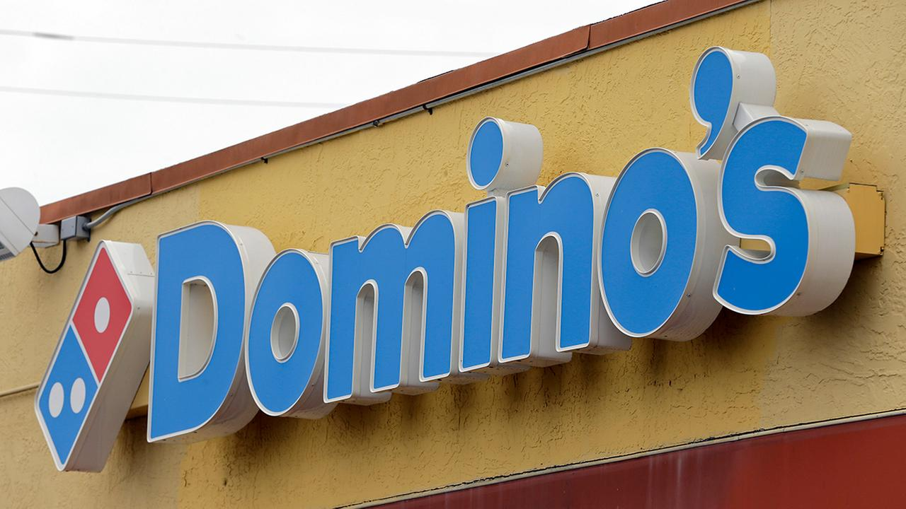 Domino's looking to hire 2,000 workers at Chicago area stores