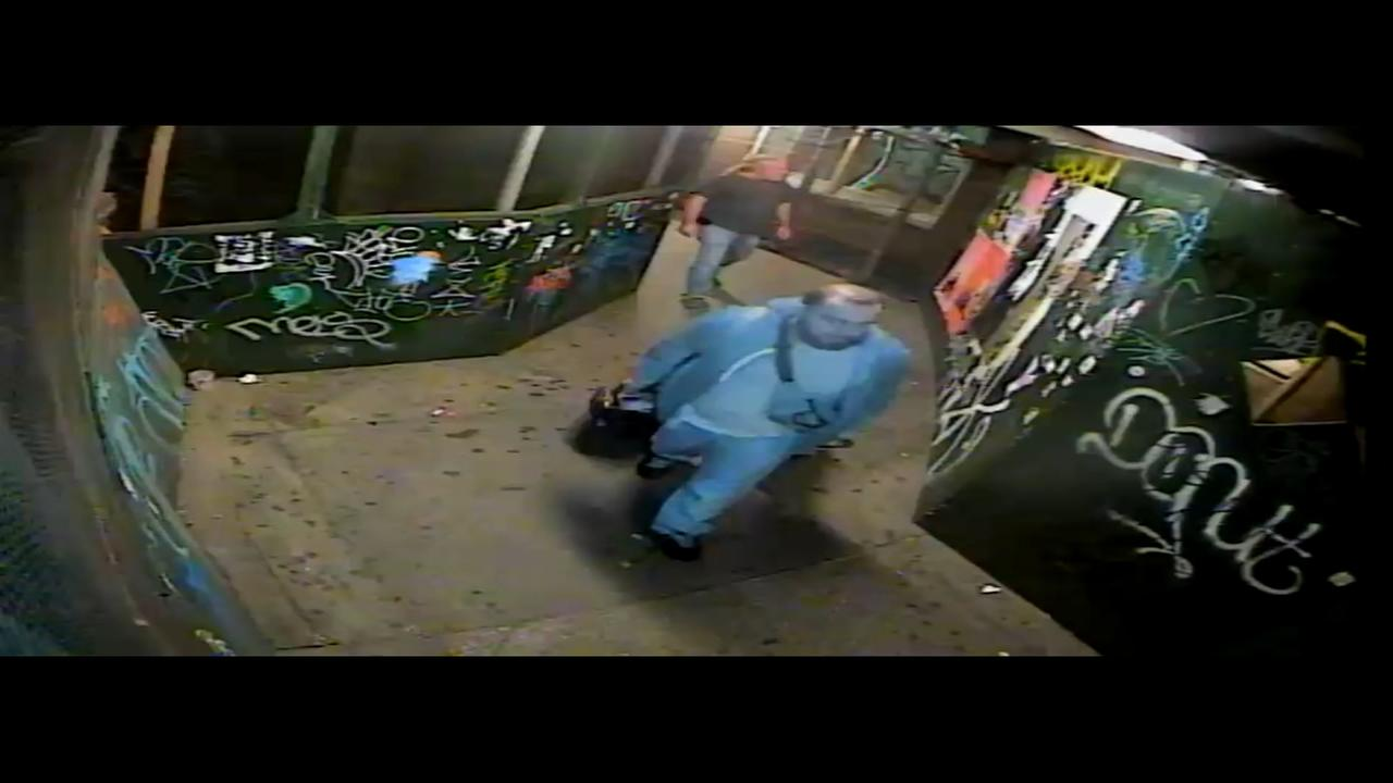 Raw video: Chelsea bomb suspect, activity around bag