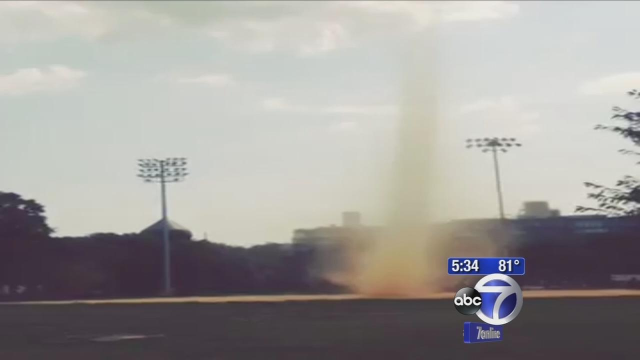 Dust devil appears in Brooklyn