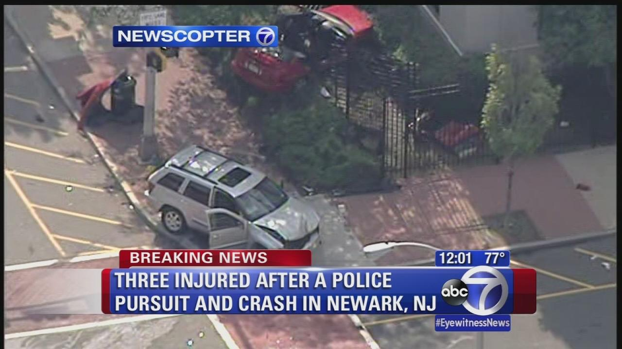 Newark police chase in crash, suspect in custody