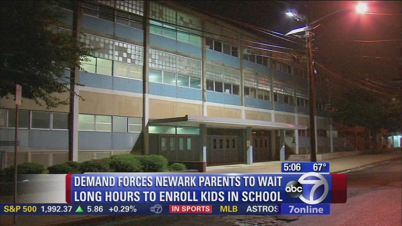Crowds expected again as Newark parents try to sign kids up for school