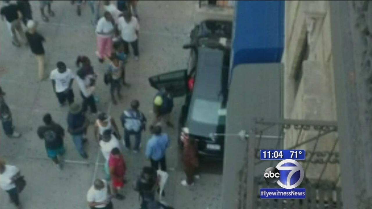 5 injured in wild car accident in Harlem