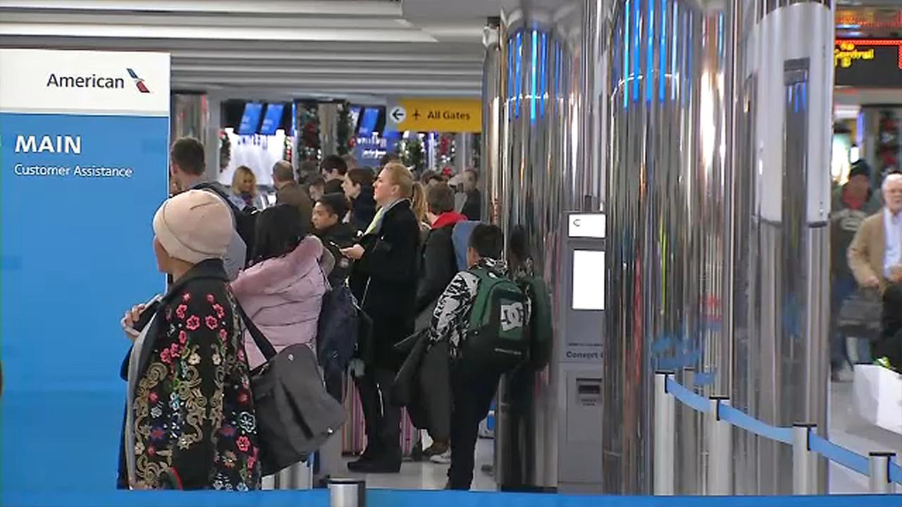 laguardia airport holiday travel
