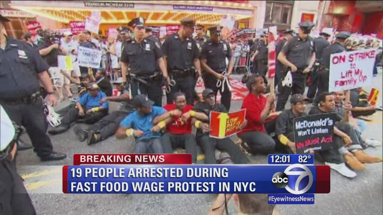 Arrests during fast food wage protest