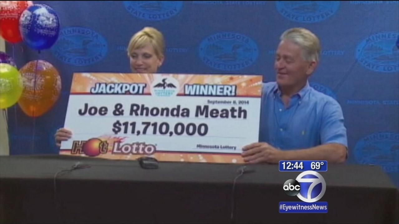 Waitress hits it big in lottery, keeps working