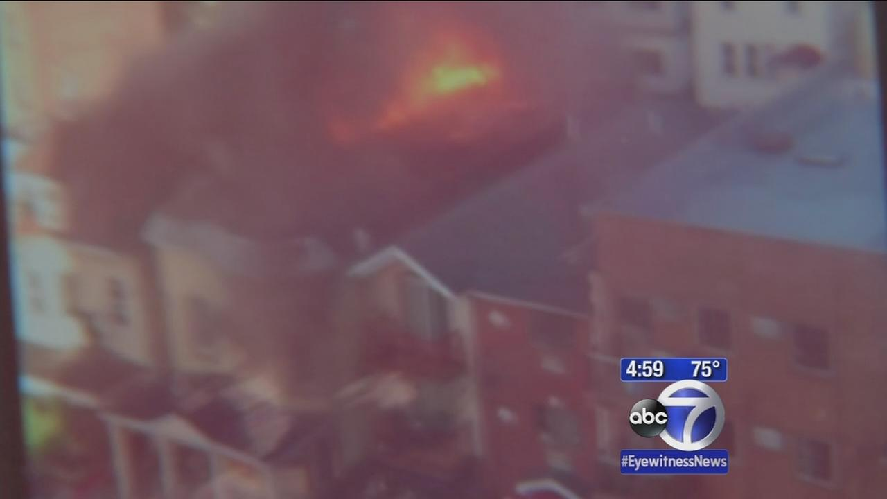 Residents jump from burning Bronx building