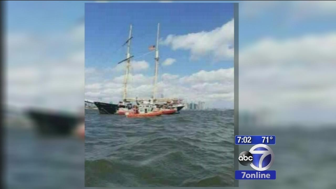 Sailboat near Statue of Liberty runs aground