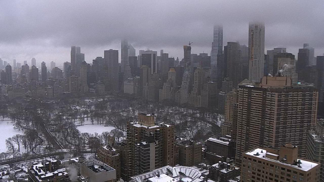 VIDEO: Eerie New York City skyline during noreaster snowstorm