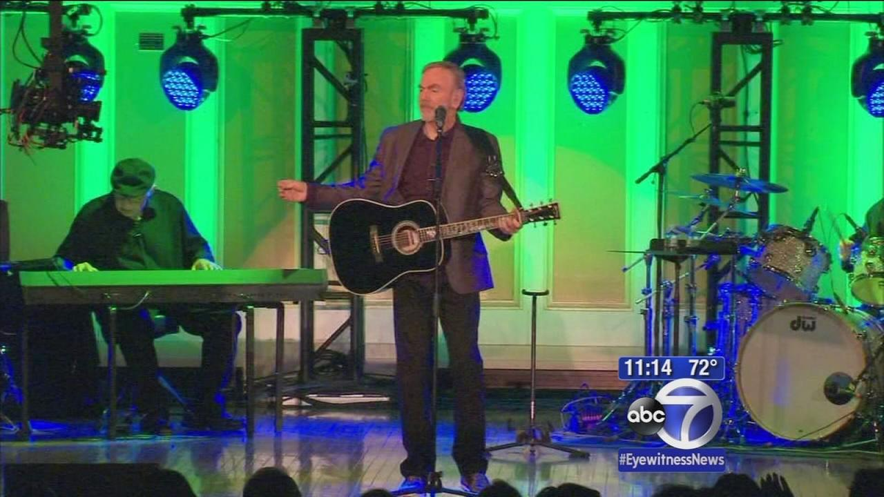 Neil Diamond puts on surprise show in Brooklyn