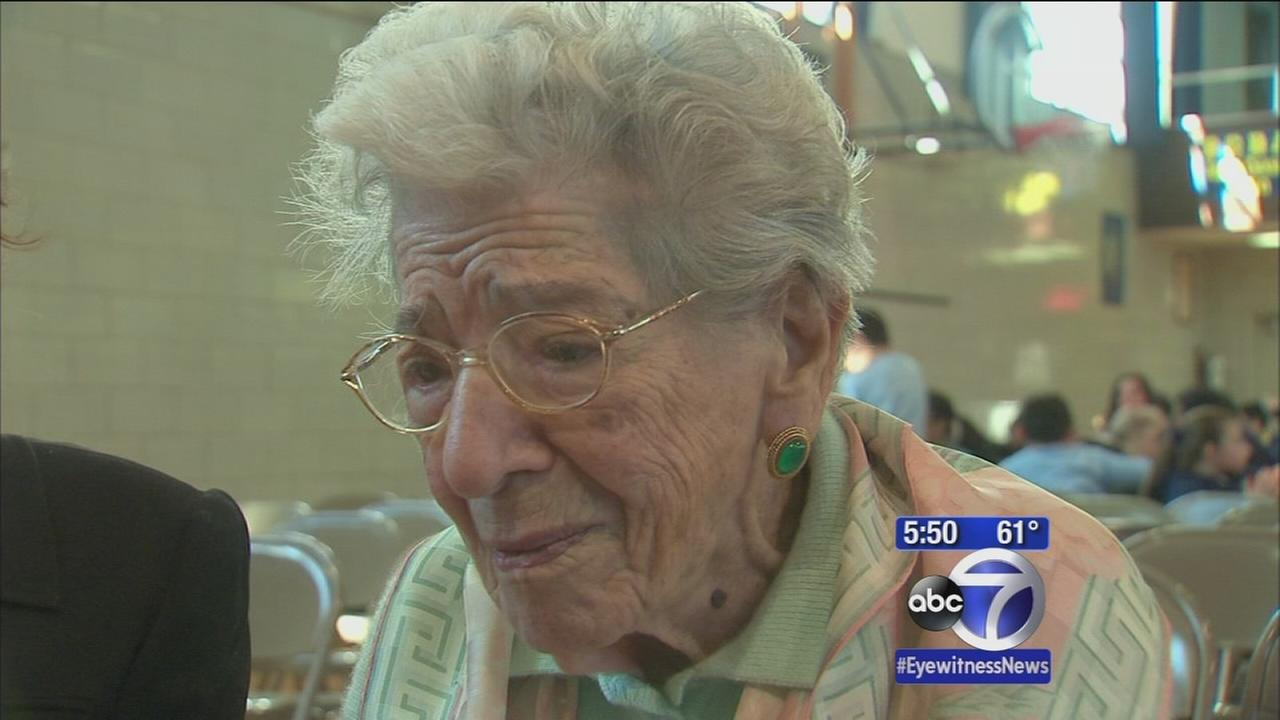 Brooklyn school pays tribute to 100-year-old math teacher