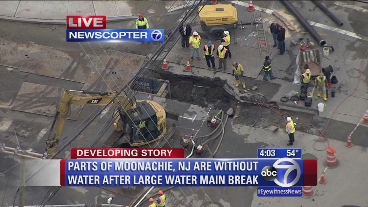 Parts of Moonachie, NJ are without water after large water main break