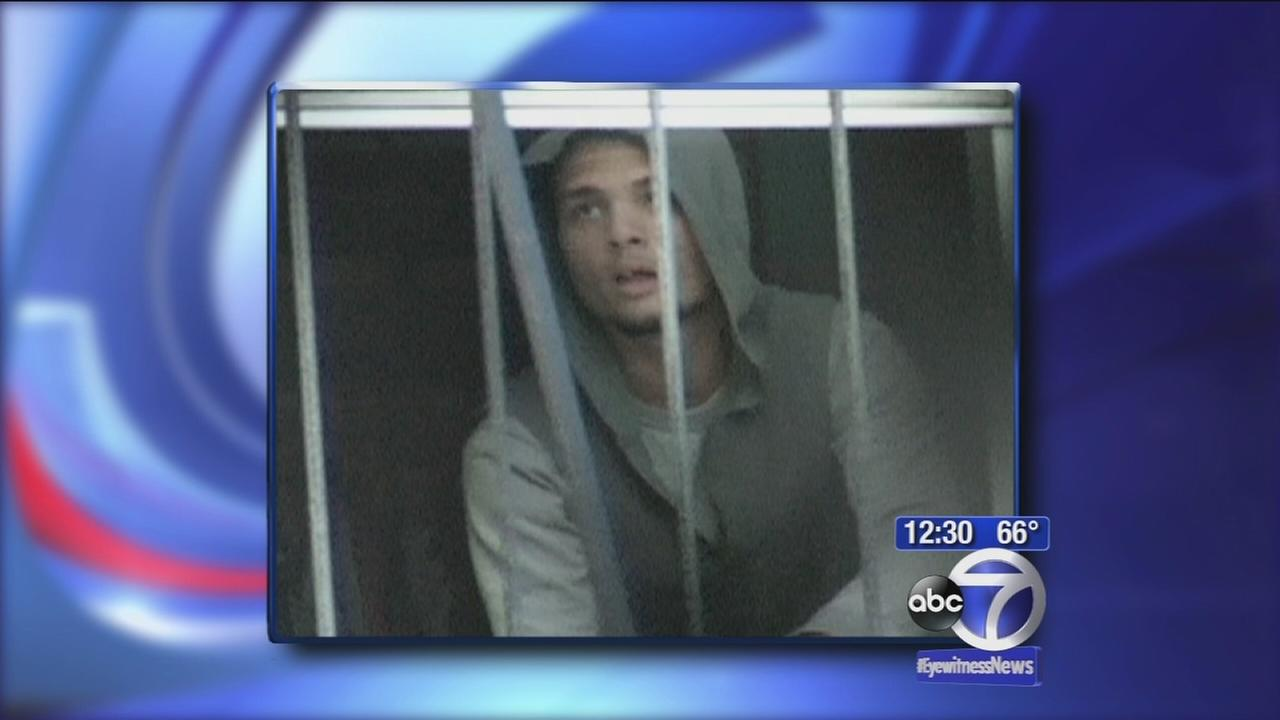 Police looking for Manhattan serial burglary suspect