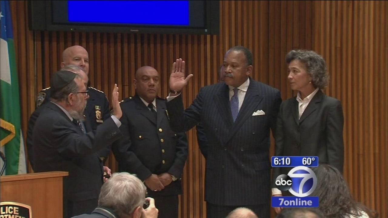 Police commissioner Bratton names top deputy