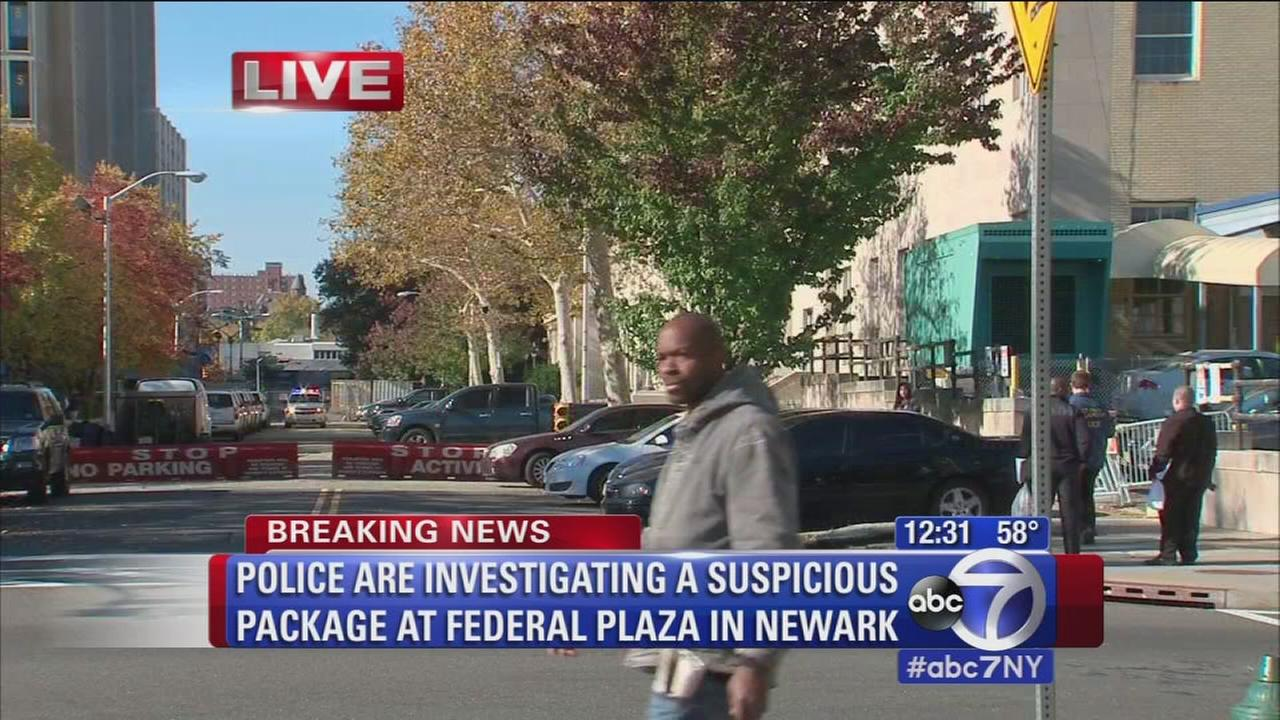'Police investigating suspicious package1_b@b_1Federal Plaza in Newark' from the web at 'http://cdn.abclocal.go.com/content/wabc/images/cms/automation/vod/388758_1280x720.jpg'